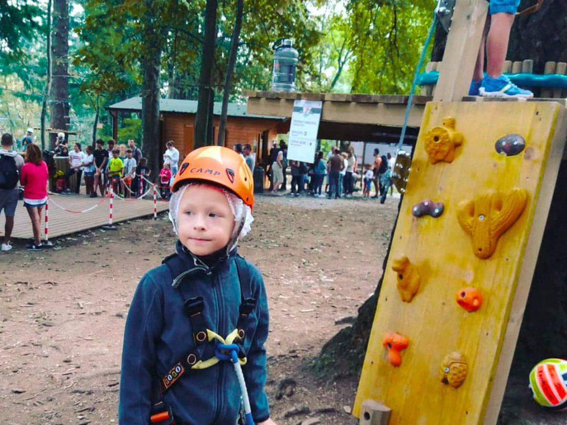 Percorso per bambini del parco divertimenti a Lecco