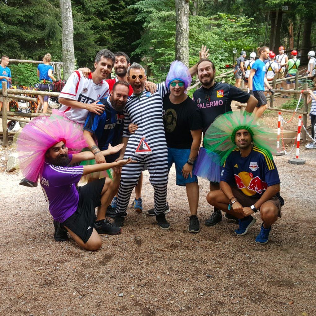 Addio al celibato avventuroso al parco sospeso vicino a Bergamo