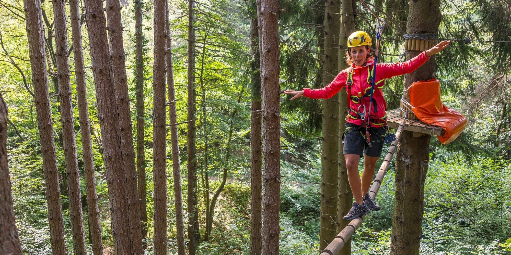 Passaggio da superare nel percorso albering a Jungle Raider Park di Civenna