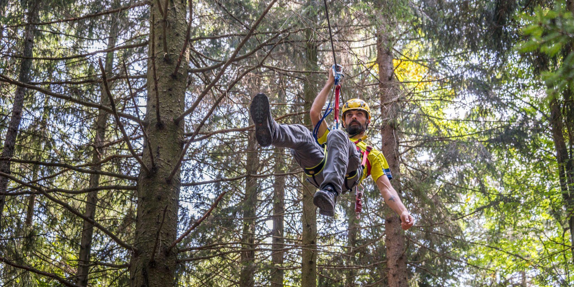 Emozionante carrucola del Jungle Raider Park a Civenna