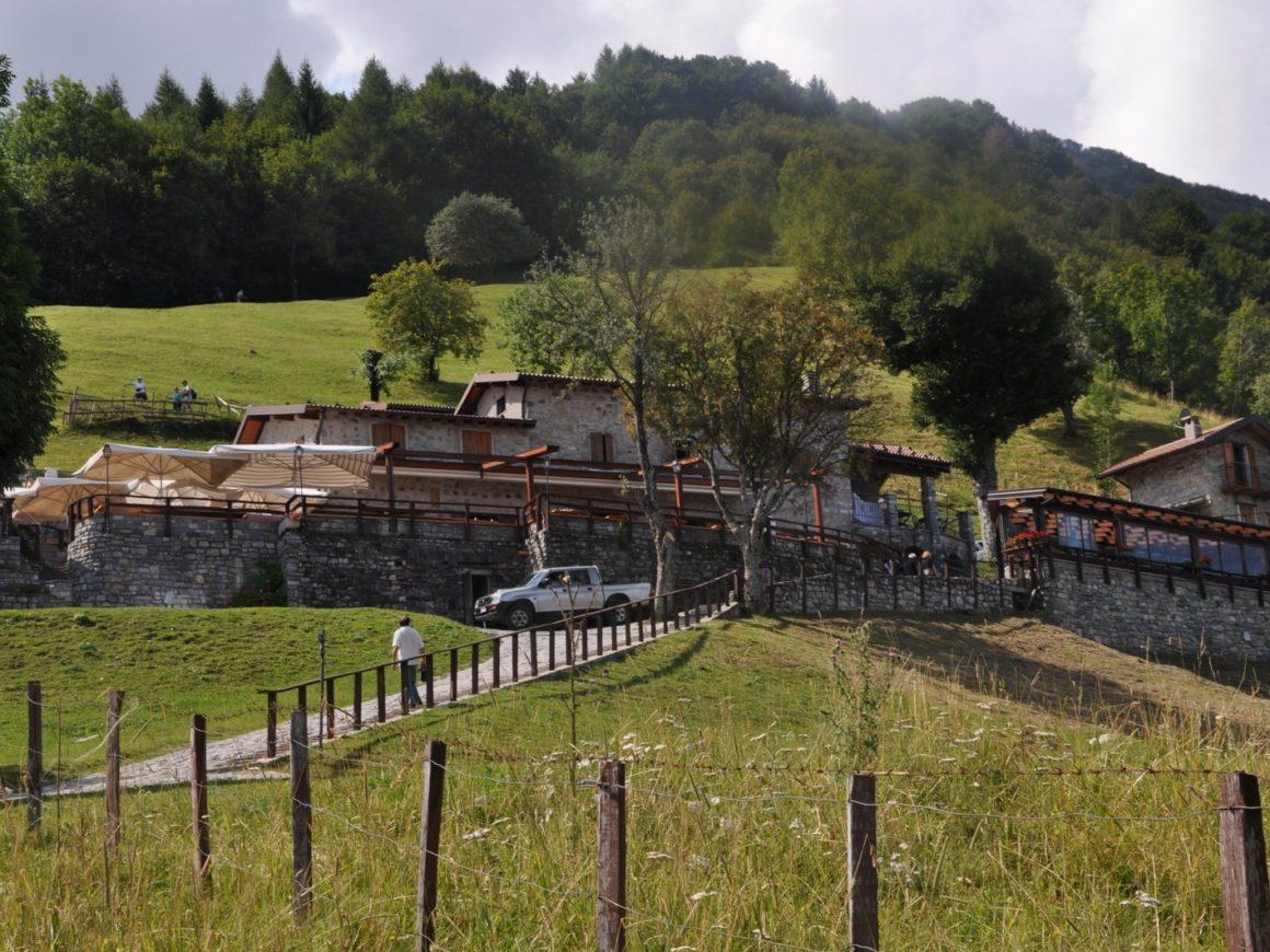 Sentieri per il trekking vicino al Parco avventura