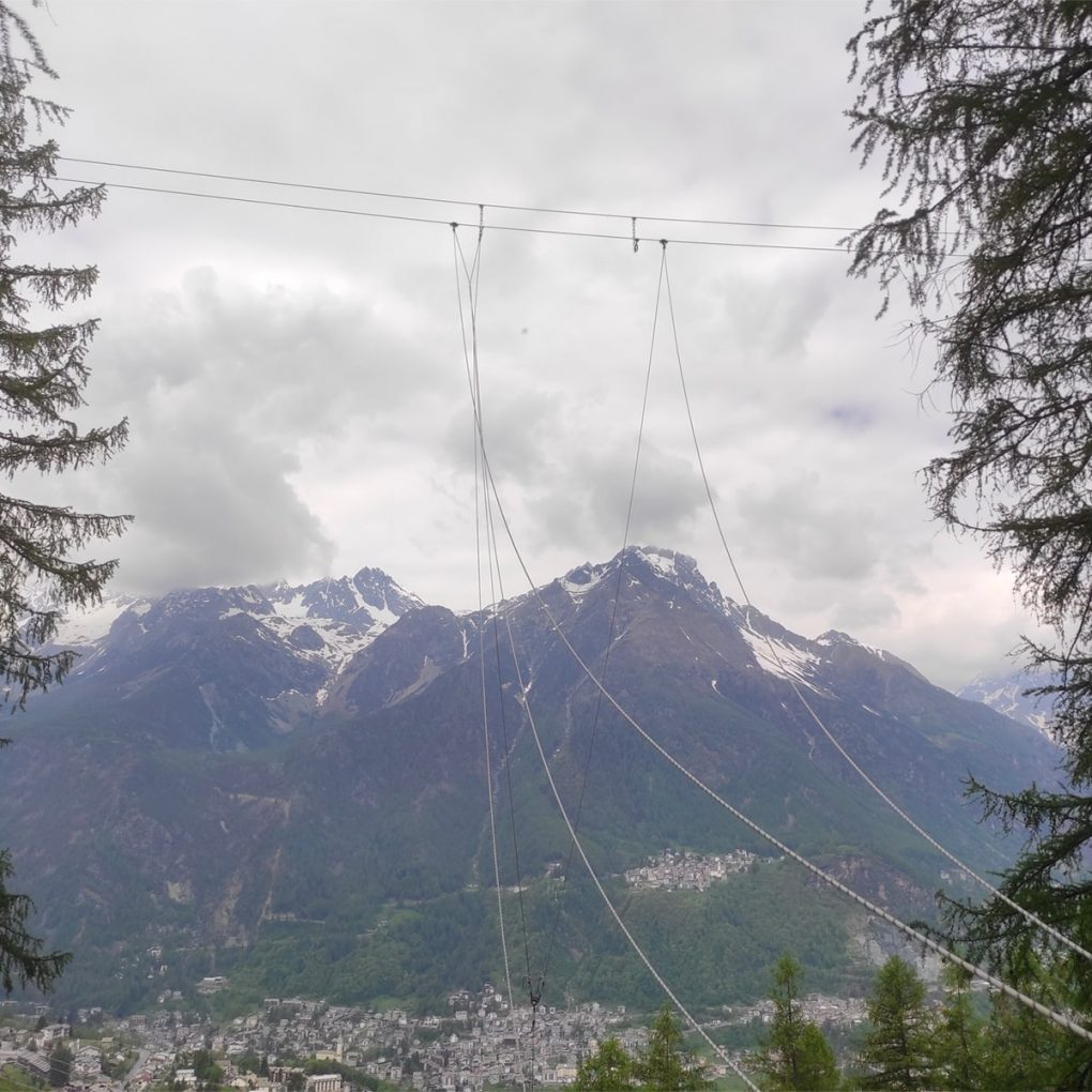 Altalena più alta d'Italia realizzata dal Jungle Raider Park